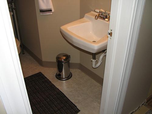 tipps zum einrichten des badezimmers m bel blog. Black Bedroom Furniture Sets. Home Design Ideas