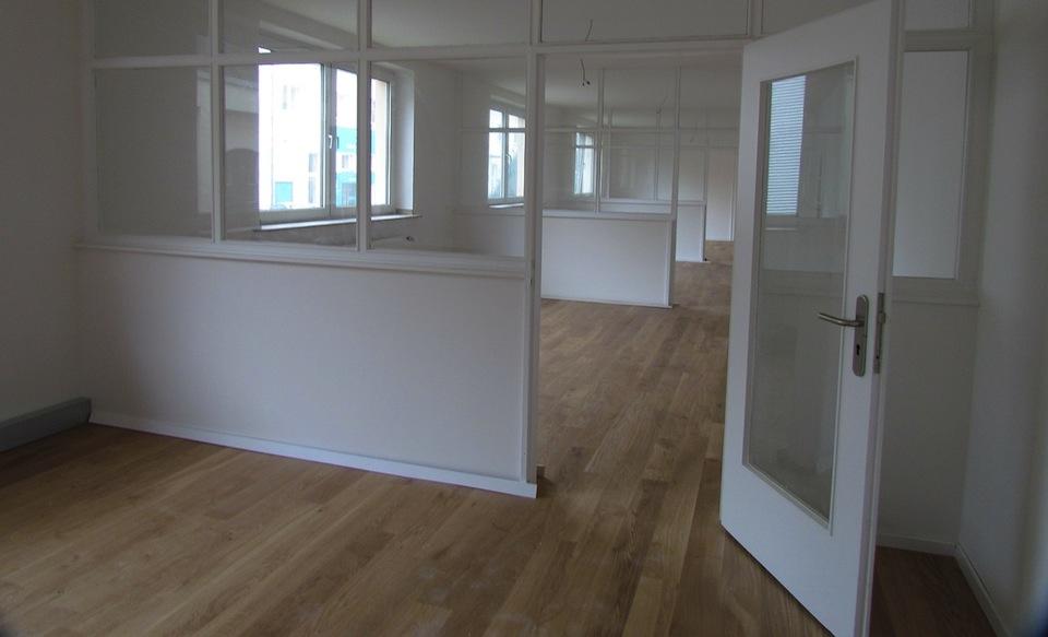 Große Raumteiler sinnvoll in Räumen eingesetzt - Möbel Blog