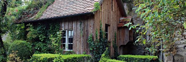 Ein Naturholz Gartenhaus für das eigene Grundstück