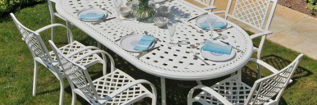 Für romantische Gärten: Gartenmöbel aus Metall